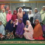 Sosialisasi keuangan syariah solusi ekonomi umat bersama majelis taklim masjid al iman kel. Tangkerang barat Pekanbaru